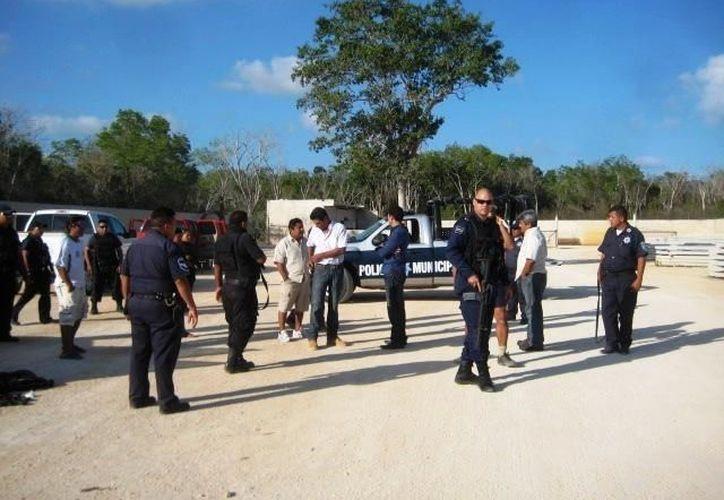 Policías de Tulum participaron en el enfrentamiento, en donde los presuntos delincuentes los recibieron a balazos. (Archivo/SIPSE)