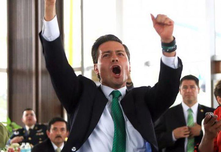 Peña Nieto durante la celebración de uno de los goles del Tri contra Croacia en el Mundial. (Notimex/Foto de archivo)