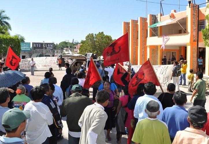 Los trabajadores sindicalizados cumplieron su tercer día en huelga. (Manuel Salazar/SIPSE)