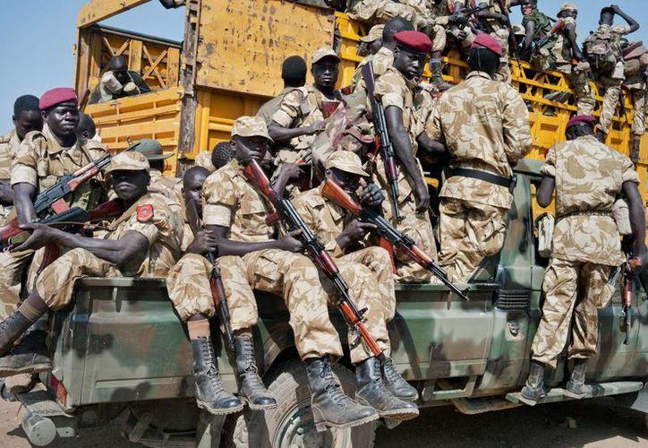 El gobierno de Kiir también acordó liberar a 11 funcionarios cercanos a Machar que fueron detenidos en el curso de los combates, aunque no se dio una fecha exacta para su liberación. (Agencias)