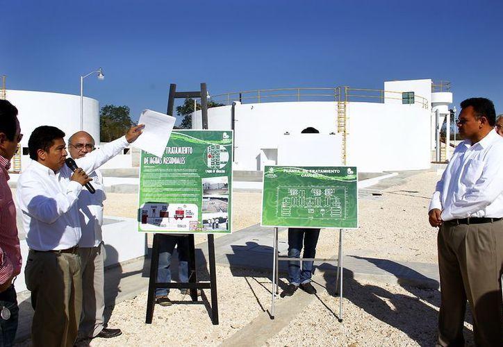 El Gobernador constató los avances del cárcamo de agua en las obras realizadas en Ciudad Caucel II. (Milenio Novedades)
