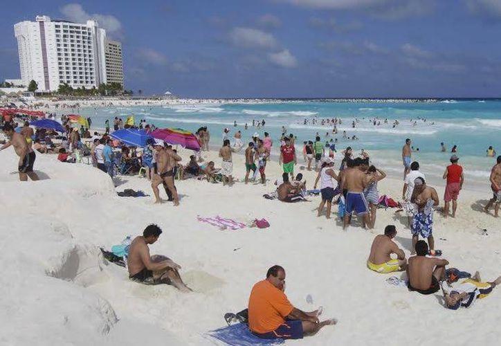 Se registra el arribo de turistas de varias partes del mundo. (Cortesía/SIPSE)