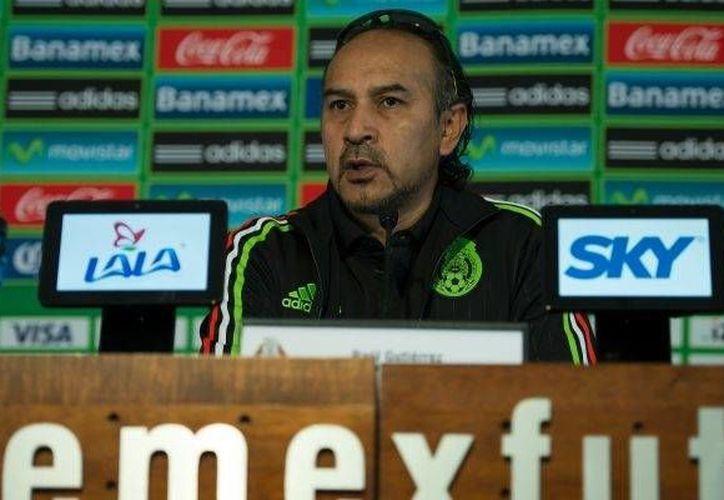 Raúl Gutiérrez respondió a las diversas críticas de la afición rayada, a través de twitter. (Notimex)