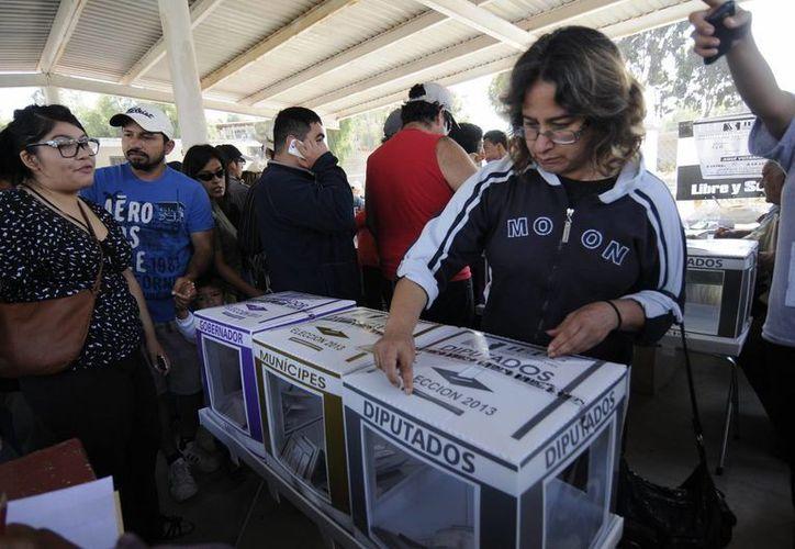 En BC y Sonora las casillas seguirán abiertas hasta las 20 horas tiempo del centro del país. (Notimex)