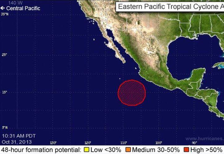 El fenómeno se ubica a 560 kilómetros de Manzanillo, Colima. (nhc.noaa.gov)