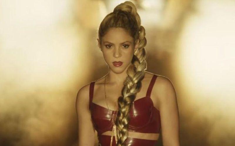 Cada vez que dedica una canción ¿terminan con ella? (VIDEOS) — Shakira