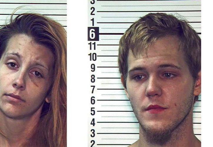 Jakayo Scott Frye y Shyann Marie Hills, ambos de 22 años, fueron acusados el miércoles en Pensilvania de docenas de crímenes. (AP)