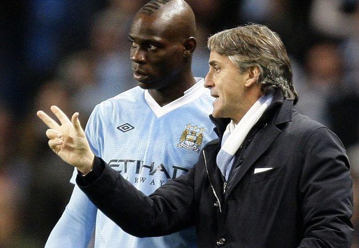 Los puestos de Mancini y Balotelli peligran, uno por problemático y otro por no dar buenos dividendos. (Foto: Agencias)