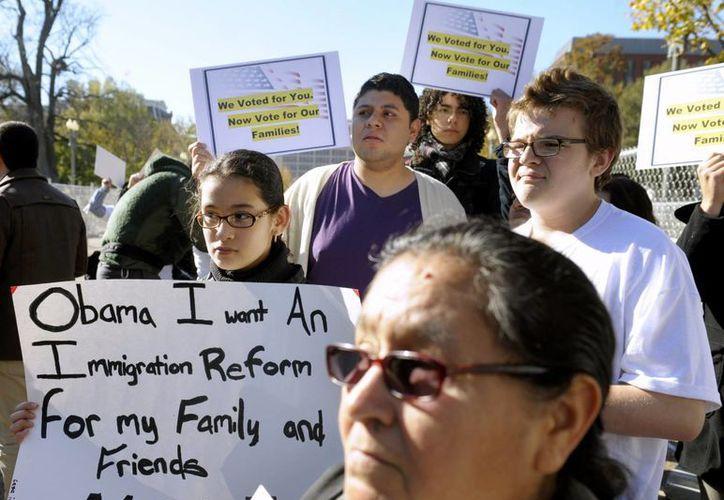 La reforma migratoria es uno de los temas pendientes de la administración de Obama. (Archivo/Agencias)