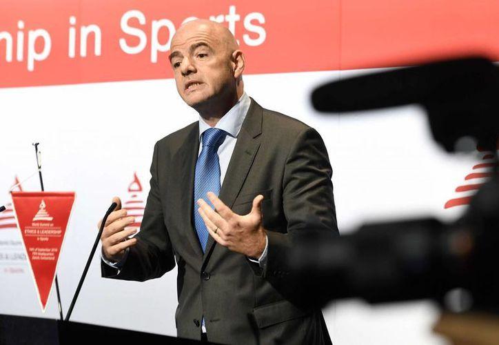 La FIFA y sus dirigentes buscan acabar con los casos de  corrupción que se realizan en el futbol mundial. En la foto,  Gianni Infantino, Presidente de FIFA.(Walter Bieri/AP)