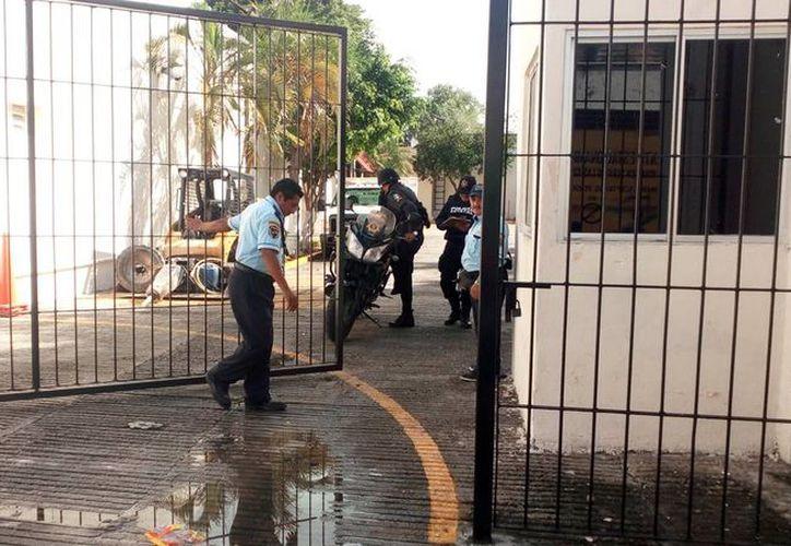 Un vigilante falleció durante la madrugada de ayer, en una oficina gubernamental, en el centro de Mérida. (Milenio Novedades)