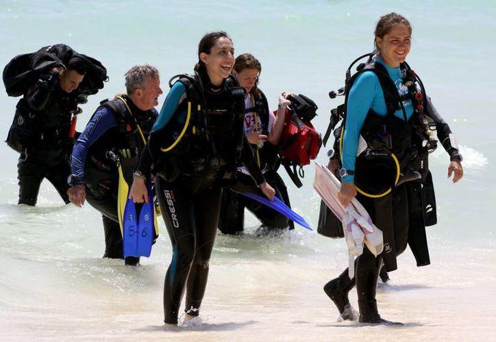 Según datos oficiales,  los franceses que radican en Playa del Carmen se dedican al buceo, turismo e idiomas, entre otras actividades.  (Adrián Mornoy/SIPSE)