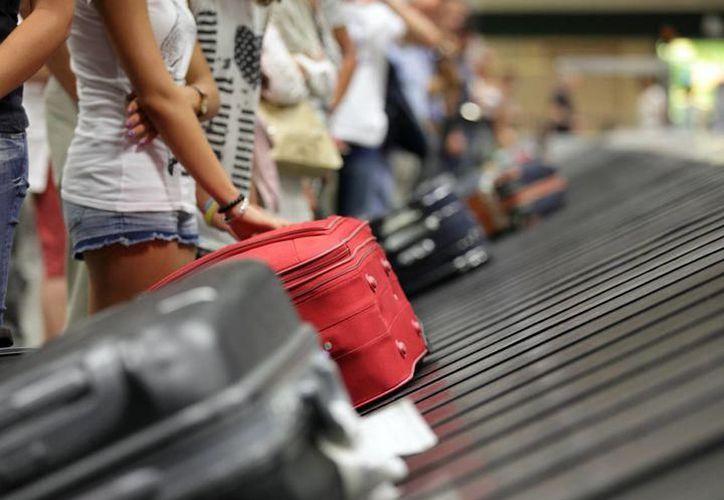 Al llegar a Cancún, fue detenido por la Policía Federal por presuntamente ser responsable del delito de tráfico internacional. (SIPSE)
