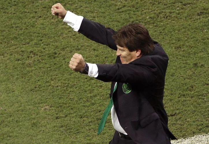 A Miguel Herrera no le tiemblan las patas frente a Holanda. (AP)