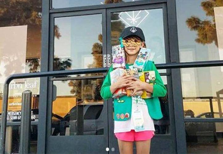 La foto de la pequeña niña emprendedora generó una polémica entre los usuarios de Instagram. (Excelsior)
