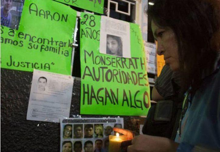 Familiares de las otras víctimas insistieron que ellos esperarán la intervención de peritos extranjeros para corroborar la identidad de los cadáveres. (Internet)