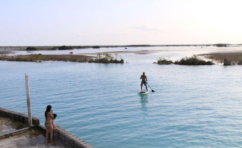 El Comité del Sistema Lagunar de Bacalar (Ccslb) realiza acciones de preservación y cuidado. (Javier Ortiz/SIPSE)