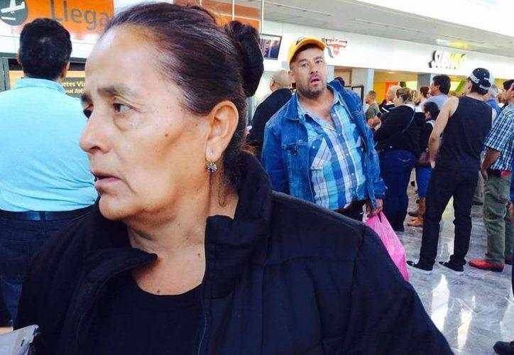 Doña Agapita viajó a Estados Unidos para completar los trámites consulares necesarios para repatriar el cuerpo de su hijo. (diario19.com)
