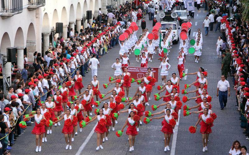 Yucat n desfile por la revoluci n mexicana el viernes 20 for Alberca 20 de noviembre campeche