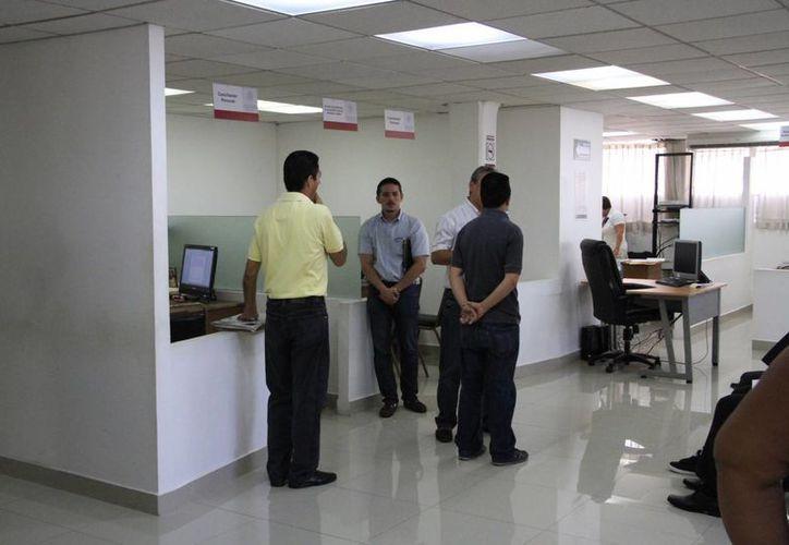 El personal capacitado concilia problemas entre proveedores y consumidores. (Tomás Álvarez/SIPSE)