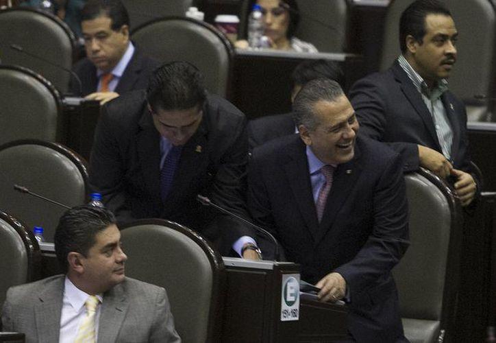 Manlio Fabio Beltrones durante la discusión de proyecto de decreto de la Ley de Ingresos de la Federación 2014, el pasado 18 de octubre en la Cámara baja. (Archivo/Notimex)