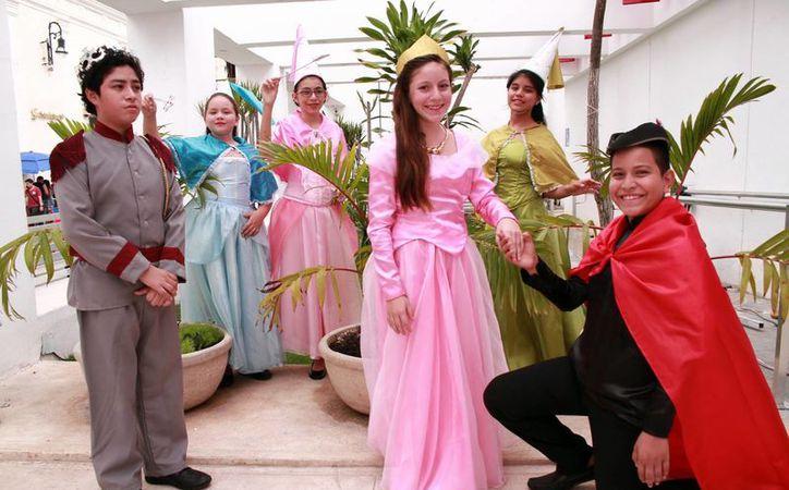 Los niños protagonistas de la obra forman parte de la compañía Chikiyucas, que se encuentra liderada por el cómico Mario Herrera Cásares.(Jorge Acosta/Milenio Novedades)