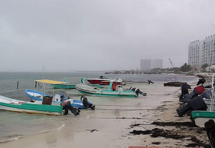 Suspenden la navegación de embarcaciones menores por recomendaciones de Protección Civil. (Jesús Tijerina/SIPSE)
