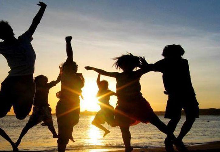 Ahora los jóvenes buscan lugares de playa como Cancún para sus viajes generacionales. (Contexto/Internet)