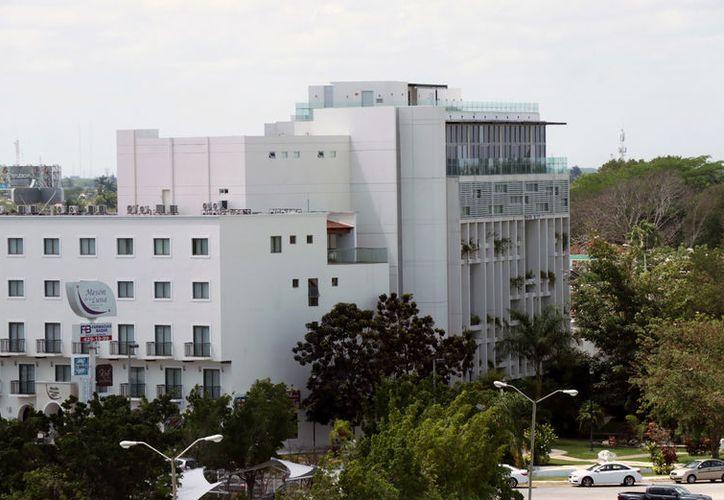 Empresarios se quejan de las altas tarifas que aplica en Yucatán la Comisión Federal de Electricidad. (Jorge Acosta/Novedades Yucatán)