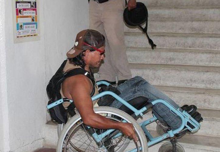 Especialista de la UNAM subrayó que los espacios públicos y privados no deben tener barreras para la movilidad. (Archivo SIPSE)