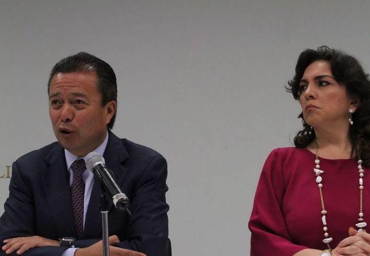 El presidente del CEN del PRI, César Camacho Quiroz, junto con la secretaria general del PRI, Ivonne Ortega Pacheco. (Notimex)