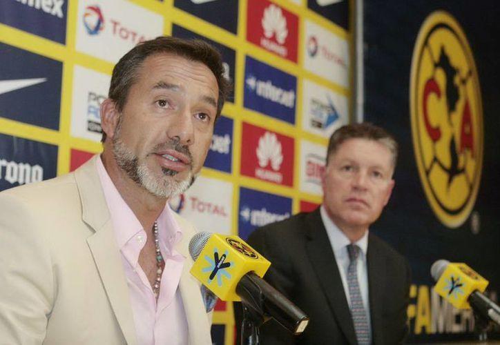 Gustavo Matosas ya se arregló con con Atlas. Su presentación oficial como nuevo entrenador será la semana que viene. En la foto, con los colores del América. (Nortimex)