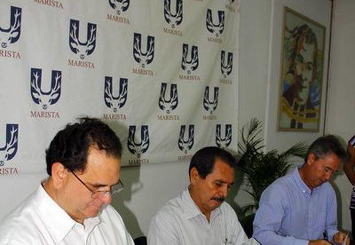 Autoridades de la Universidad Marista y  Conagua firmaron un acuerdo que abrirá la puerta de estudio a los fenómenos tropicales que afectan a Yucatán y al país por parte de los estudiantes. (Milenio Novedades)