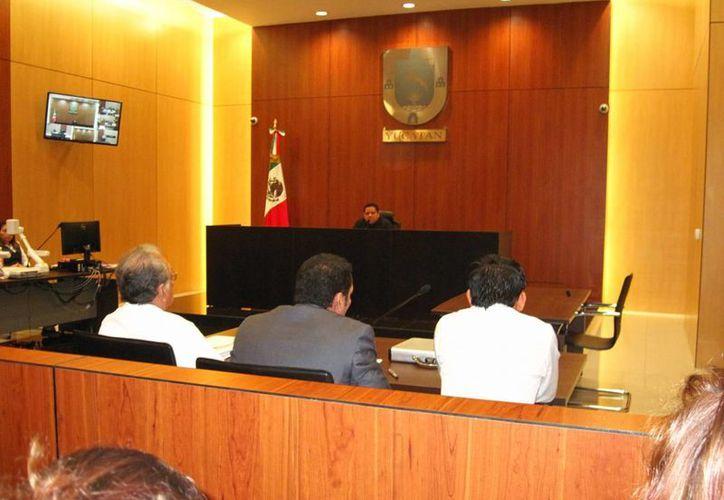 Imagen del juez Luis Mugarte, durante el proceso a Rafael de Marco C.P., acusado del homicidio del músico Luis Fernando Luna Guarneros. (Milenio Novedades)