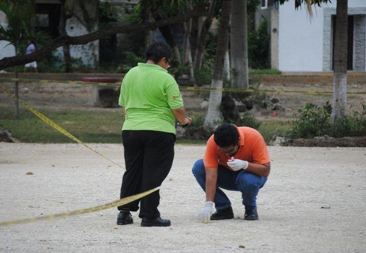 Las autoridades continúan investigando el doble homicidio. (Eric Galindo/SIPSE)