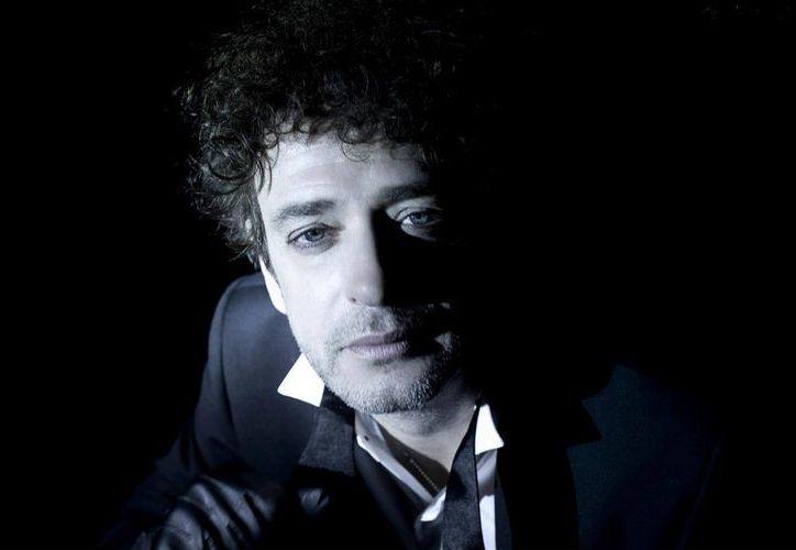 El músico argentino se encuentra internado en la clínica Alcla, estable y sin cambios neurológicos y con asistencia respiratorio-mecánica. (concierto.cl)