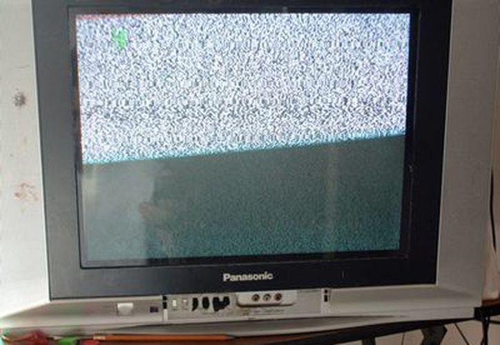 El Gobierno iniciará hoy la notificación, casa por casa, a los beneficiarios de televisores digitales, en Yucatán. La imagen es únicamente ilustrativa. (Notimex/Archivo)