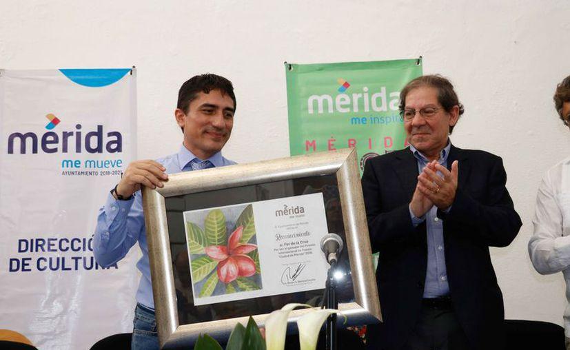 Entregan Premio Internacional de Poesía de Mérida.(Foto: Novedades Yucatán)