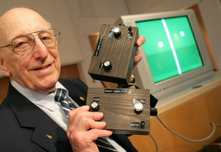 Ralph Baen creó una caja café llamada 'The Brown Box', que podía conectarse a la televisión. (AP)