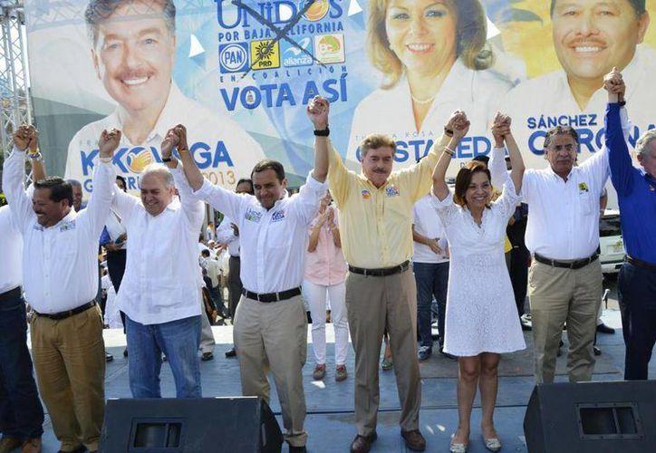 El cierre de campaña de 'Kiko' Vega en Ensenada. (Facebook)