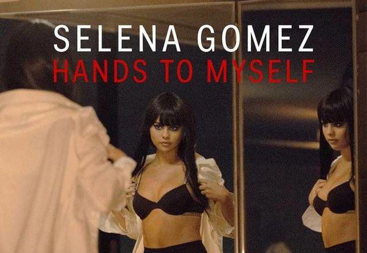 Selena Gomez estrenó el video musical de <i>Hands to Myself'</i>, el tercer sencillo de su álbum <i>Revival</i> (Twitter: @selenagomez)
