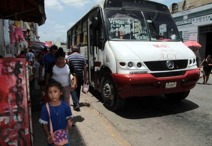 El alza en las tarifas del transporte, un tema pendiente. (Foto: Milenio Novedades)