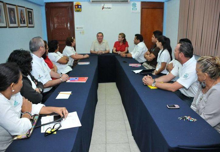 Juan Carlos Azueta Cárdenas agradeció por la confianza depositada en él, al nombrarlo director general del Cobaqroo. (Redacción/SIPSE)