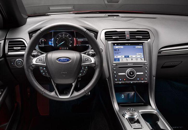 Ford retirará 1.38 millones de vehículos en América del Norte por el riesgo de que se suelten sus volantes. (Foto: Contexto)
