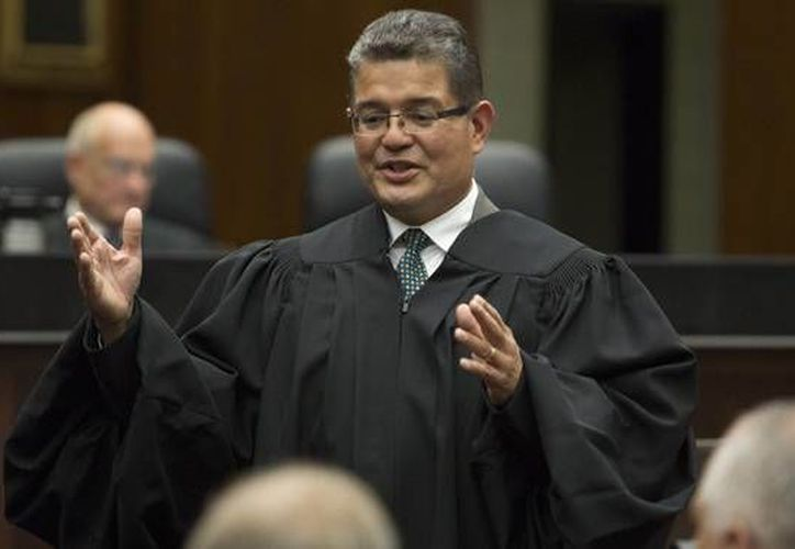 El juez Rubén Castillo dijo que la condena contra Alfredo Vázquez Hernández  es un fuerte mensaje a otros traficantes mexicanos. (latino.foxnews.com)