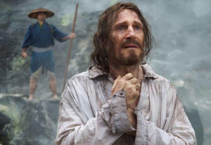 La película cuenta la historia de dos misioneros jesuitas, quienes buscan a su guía en Japón, un país donde el cristianismo se encuentra prohibido.(IMDB)
