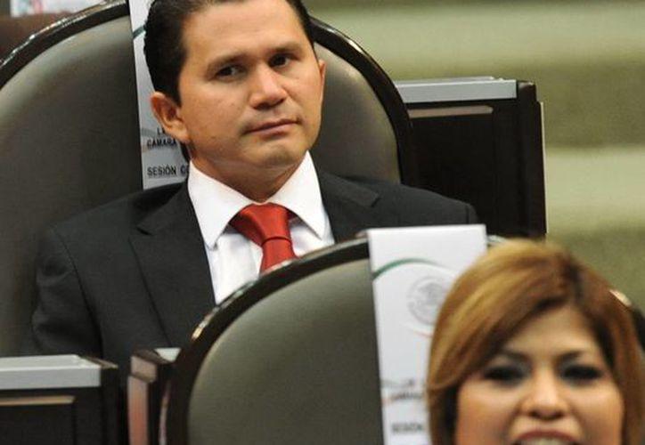 Sahuí Rivero insistió que analizar el tema del fuero necesariamente está relacionado 'con que todos seamos sujetos al orden civil de manera natural'. (SIPSE)