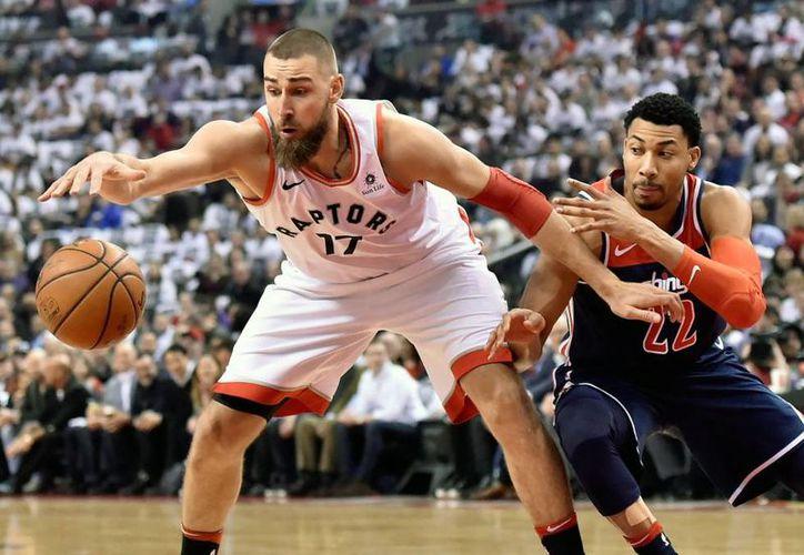 La temporada prosigue en la senda de los grandes hitos para los Raptors. (AP)