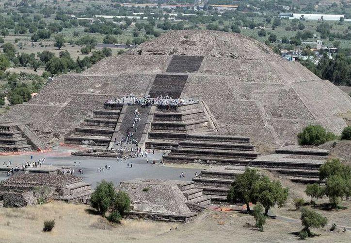 Vista aérea de la Pirámide del Sol de Teotihuacán, ciudad sagrada de los Dioses, en la que investigadores del INAH hallaron una entrada al inframundo. (Archivo/NTX)