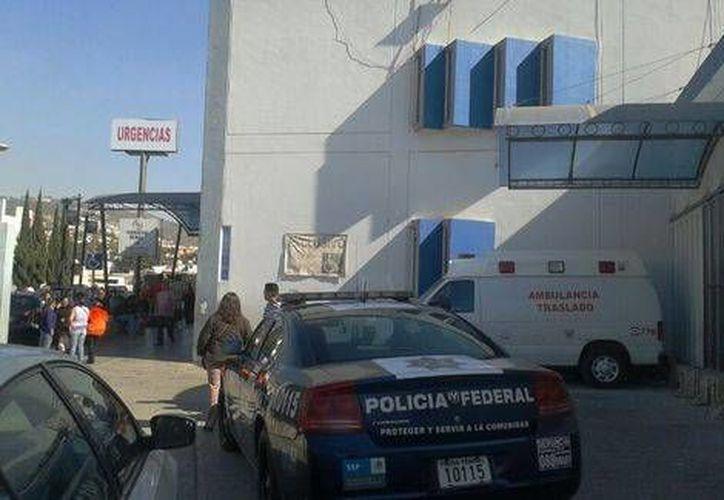 Autoridades resguardaron el Hospital General de Pachuca en donde fueron atendidas varias personas por posibles afectaciones debidas al cobalto-60 robado y abandonado. (Milenio)